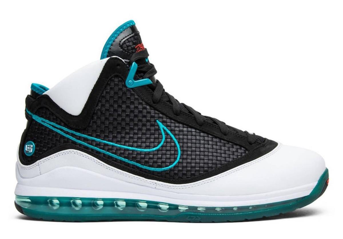 Red Carpet LeBron 7