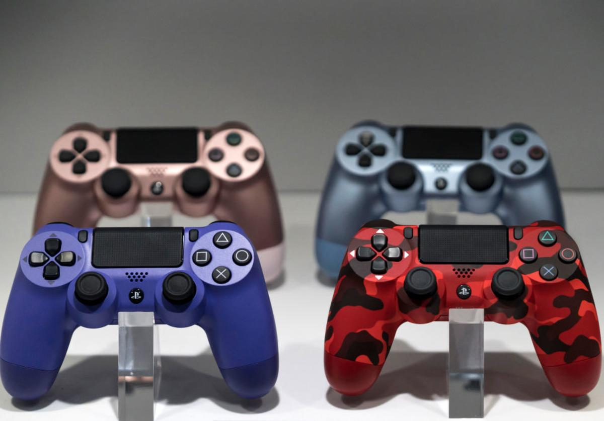 Playstation controllers PS4 PS5
