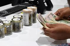 Canadian Pot Smokers Empty Out Dispensaries, Cause Massive Legal Weed Shortages