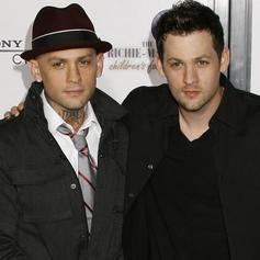 The Madden Brothers - Firetruck Feat. Kreayshawn