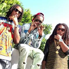 Migos - Trappa Turned Rappa  Feat. Peewee Longway (Prod. By Y.D.G.)