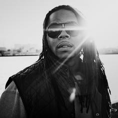 King Louie - She On Me Feat. DJ Victorious