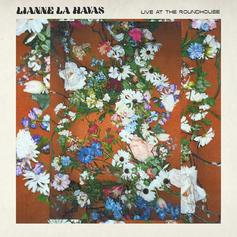 """Lianne La Havas Brings The Acoustic Soul On New EP """"Live At The Roundhouse"""""""