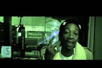 "Wiz Khalifa Performs ""Dispensary"" In-Studio"