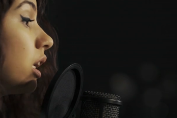 "Alessia Cara Covers Drake's ""Hotline Bling"""