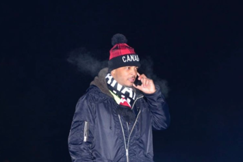 """T.I. Loses Temper On Male Fan While Performing """"Whatever You Like"""""""