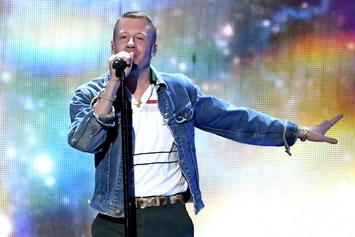 "Macklemore & Offset Perform ""Willy Wonka"" On Jimmy Kimmel"