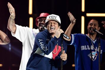"Bruno Mars Announces ""24K Magic"" World Tour"