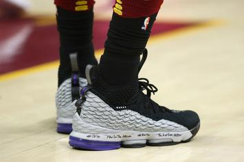 online store 3ad51 1d178 Nike LeBron 15