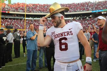 Baker Mayfield Recreates Brett Favre's Draft Day Photo