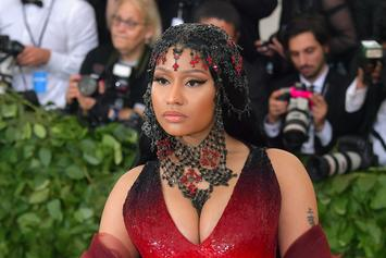 "Nicki Minaj Debuts Diamond ""Queen"" Chain In Advance Of Album"