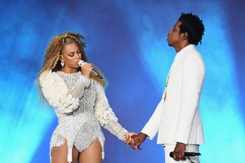 "Random Fan Runs Onstage During Beyonce And Jay-Z ""OTR II"" Stop in Atlanta"