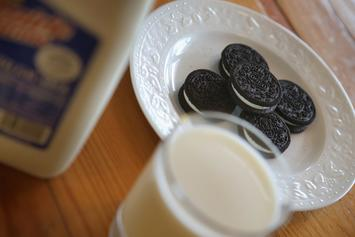 Oreo Debuts Wasabi & Hot Chicken Wing Flavoured Cookies