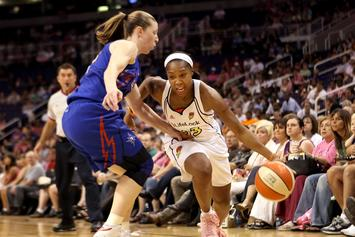 """WNBA All-Star Cappie Poindexter: """"Pay Me What I Deserve"""""""