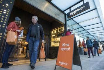 "Amazon Opens First Cashierless Store In Chicago: ""Walk Out Shopping"""
