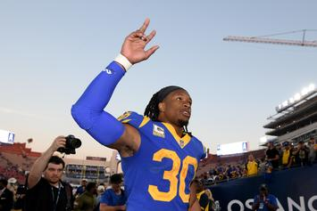 YG Gave Todd Gurley A New Chain Prior To The Los Angeles Rams' Win On Sunday