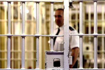 This Inmate's Mugshot Is Going Viral For His Hilariously Wide Neck