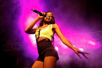 "Azealia Banks On ""Black Media"" Haters: ""Just Help Me"""