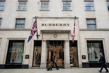 Burberry Apologizes For Hoodie With Noose Around The Neck
