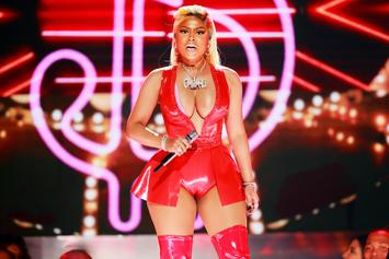 Nicki Minaj Meets Fans After Show Canceled Due To Arena Tech Issues