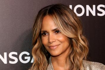 """Halle Berry Goes Braless In Sexy New Snap: """"Late Night Snack"""""""