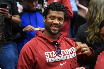 Russell Wilson Surprises Mom With Brand New House For Mother's Day: Video