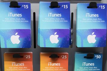 "Apple Sued By iTunes' Users For Allegedly ""Selling Off"" Personal Information"