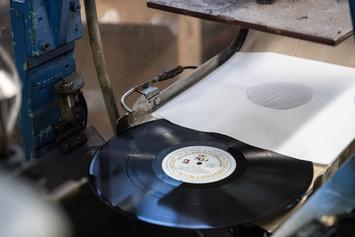 Vinyl On Track To Outsell CDs For First Time In Over 30 Years