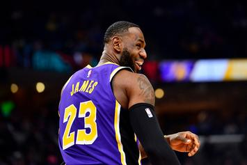 LeBron James' Ridiculous On-Court 'Malfunction' Fires Up NBA Twitter