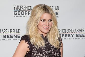 "Jessica Simpson ""Felt The Loss"" Of Kobe Bryant As Helicopters Flew Over Home"