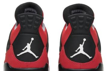 """Carmelo Anthony's Air Jordan 4 """"Red Suede"""" Sample Resurfaces"""