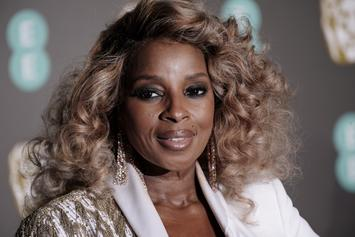 """Mary J. Blige Was """"Pissed"""" When Diana Ross Touched Lil Kim's Breast At 1999 VMAs"""