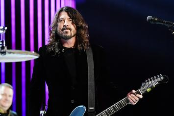 """Dave Grohl Recalls Being Beaten By Police At A """"Rock Against Reagan"""" Concert"""