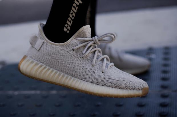 8ed2bfd4c2 Adidas Yeezy Boost 350 V2