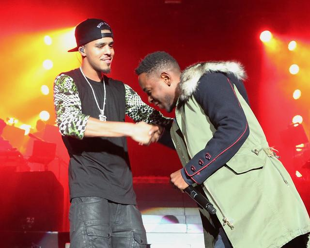 J. Cole and Kendrick Lamar together on stage during Cole's tour