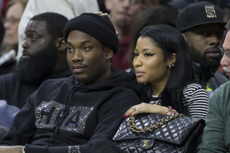 Meek Mill & Nicki Minaj attend a Philadelphia 76ers game.
