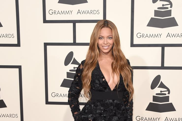 Beyonce on the Grammys red carpet