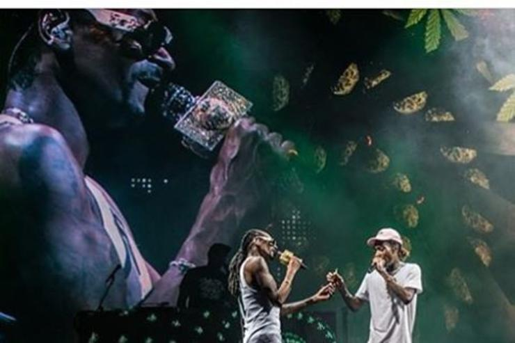 Wiz & Snoop Dogg on stage