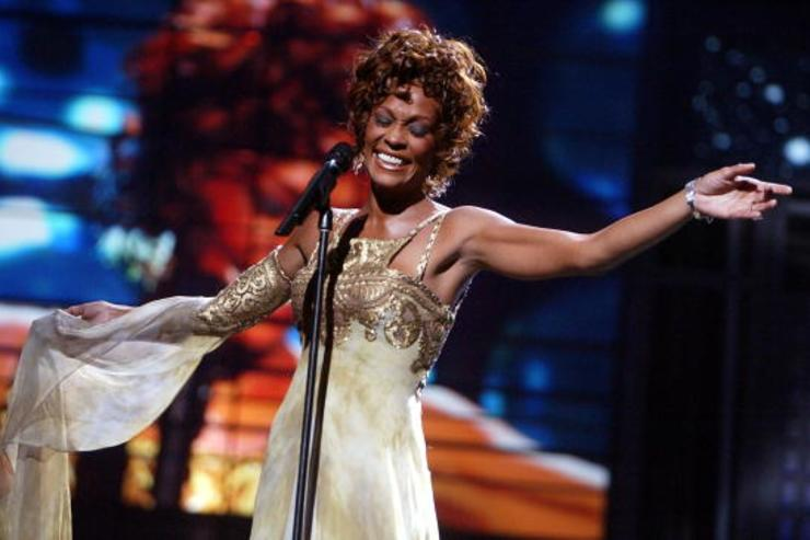 Whitney at 2004 World Music Awards.