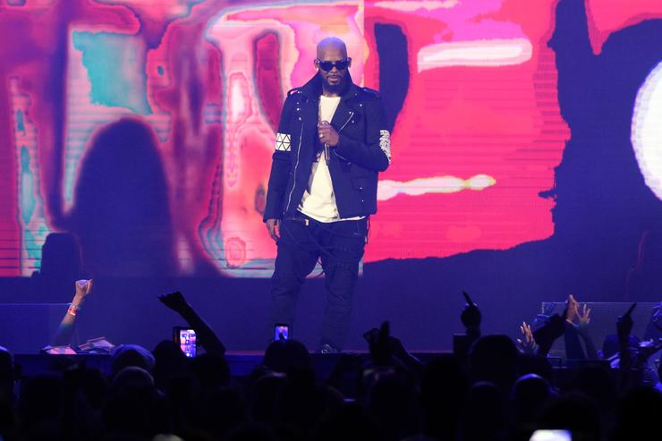 R Kelly R. Kelly 'The Buffet' Tour - Chicago, Illinois