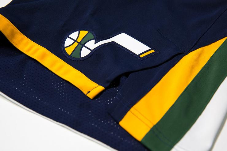 Utah Jazz 2017-18 uniform