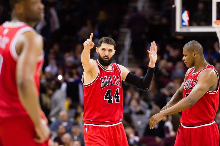 Bulls' Mirotic suffers fractured jaw in fight with team mate
