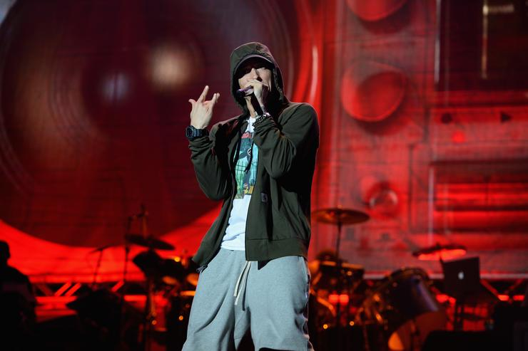 Eminem performs at Samsung Galaxy stage during 2014 Lollapalooza Day One at Grant Park on August 1, 2014 in Chicago, Illinois