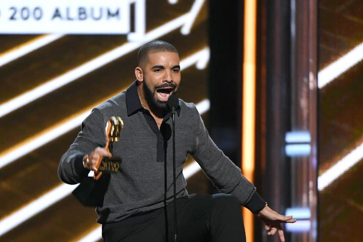 Drake at 2017 Billboard awards