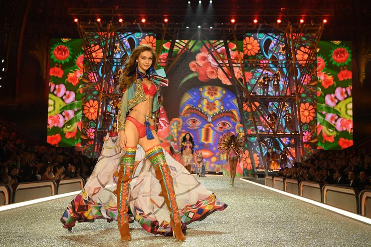 Gigi Hadid walks the runway during the 2016 Victoria's Secret Fashion Show on November 30, 2016 in Paris, France