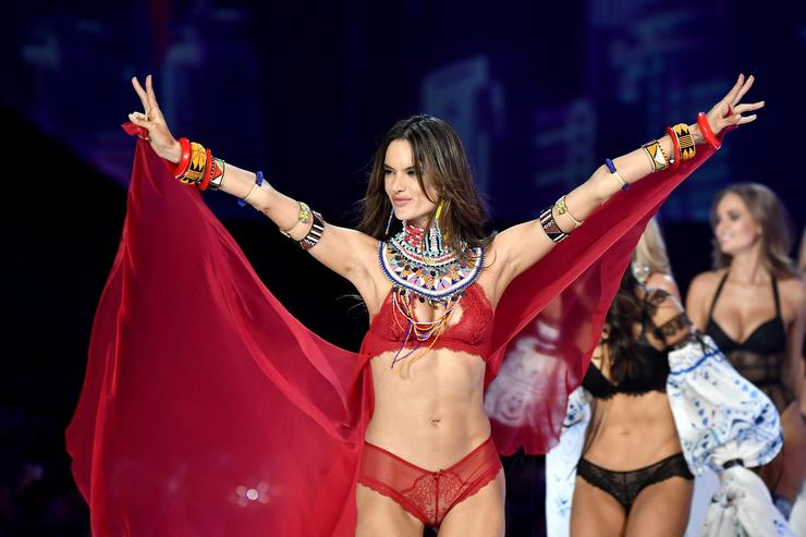 Alessandra Ambrosio walks the runway during the 2017 Victoria's Secret Fashion Show In Shanghai at Mercedes-Benz Arena on November 20, 2017 in Shanghai, China