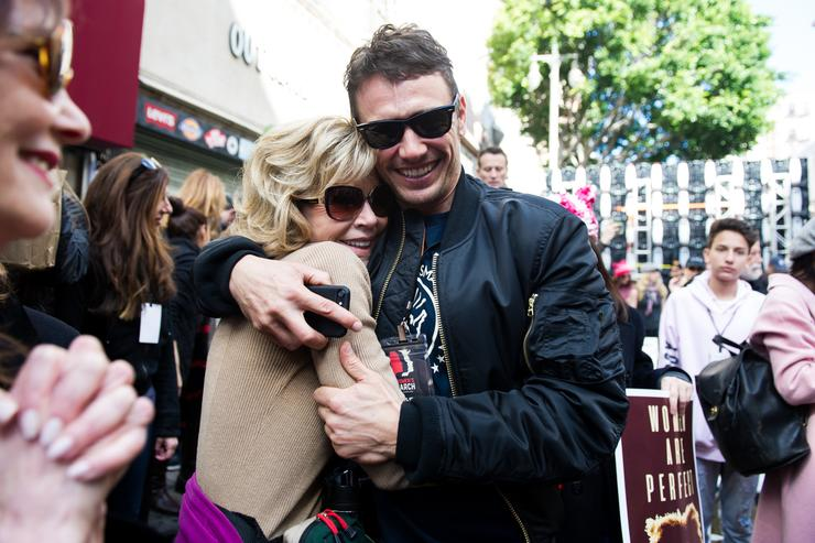 Actress Jane Fonda (L) and actor James Franco attend the women's march in Los Angeles on January 21, 2017 in Los Angeles, California