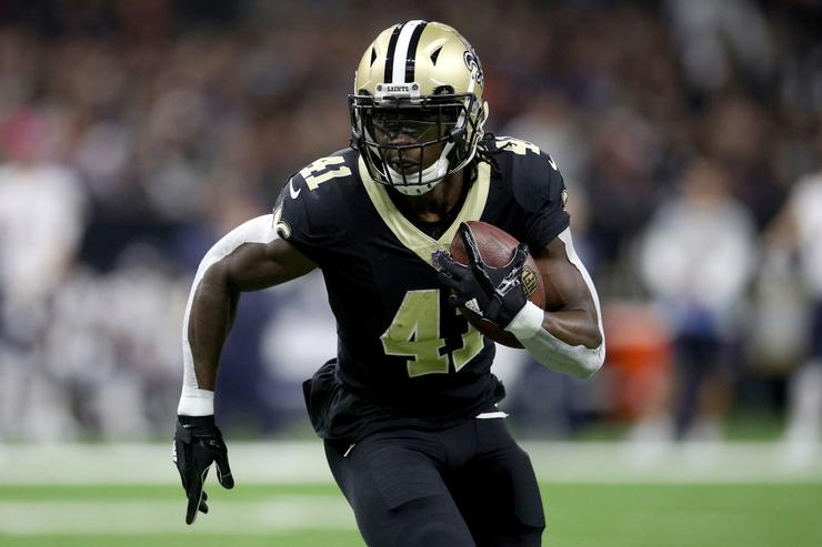 Saints' Kamara exits with concussion