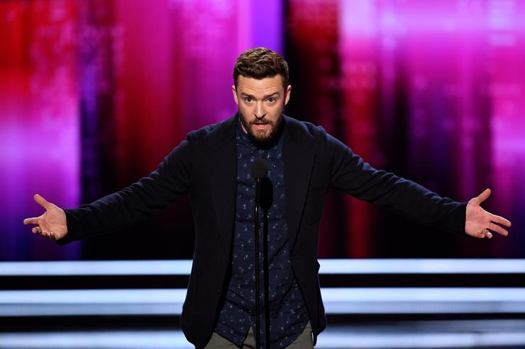 Singer/actor Justin Timberlake accepts Favorite Male Singer and Favorite Song for 'Can't Stop the Feeling!' onstage during the People's Choice Awards 2017 at Microsoft Theater on January 18, 2017 in Los Angeles, California
