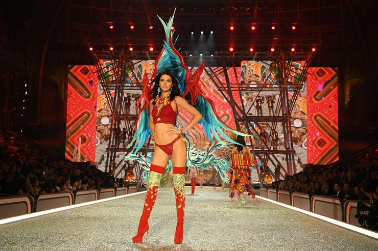 Kendall Jenner walks the runway during the 2016 Victoria's Secret Fashion Show on November 30, 2016 in Paris, France